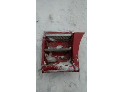 Корпус подножки левый в сборе SH F3000 тягач красный SHAANXI / Shacman (ШАНКСИ / Шакман) DZ13241240411 фото 1 Севастополь