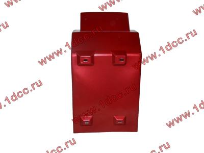 Брызговик передней оси правый H2 красный HOWO (ХОВО) WG1642230004